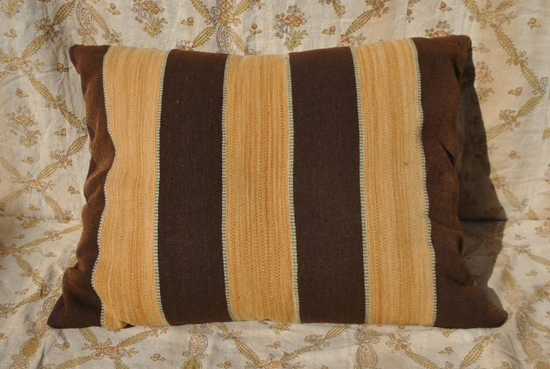 Large hand woven Swedish tapestry cushion-inglis-hall-antiques-dsc-0171-main-637065918405569896.JPG