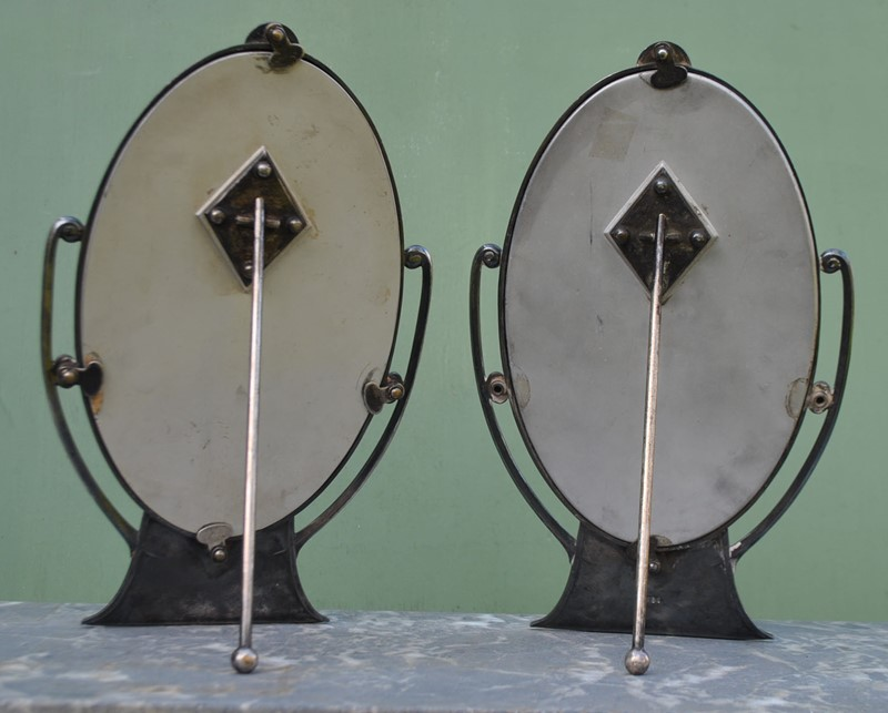 A pair of Art Deco photo frames by WMF-inglis-hall-antiques-dsc-0235-main-636868084167875781.JPG