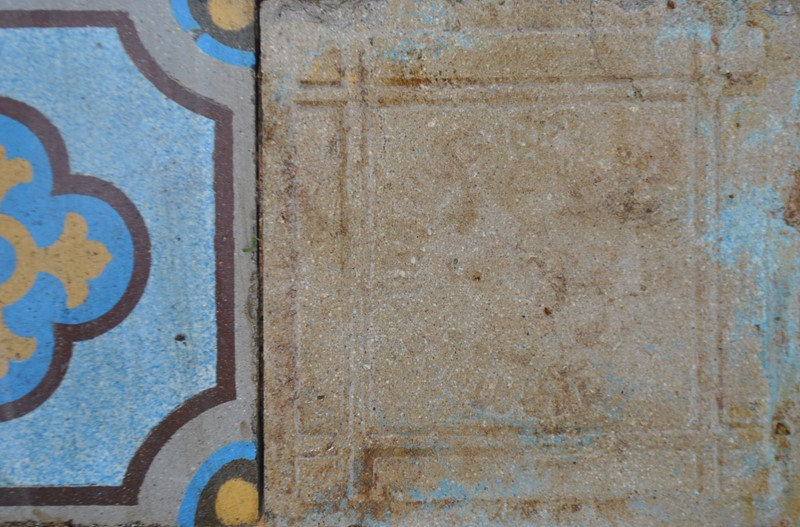 Gothic encaustic floor tiles -inglis-hall-antiques-dsc-0237-main-637084946855647890.JPG