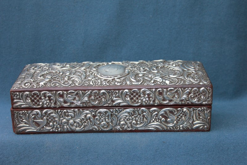 Silver jewellery box -inglis-hall-antiques-img-4435-main-637467490992880821.JPG