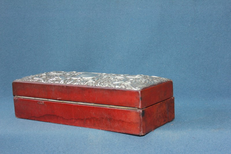 Silver jewellery box -inglis-hall-antiques-img-4438-main-637467491359910882.JPG