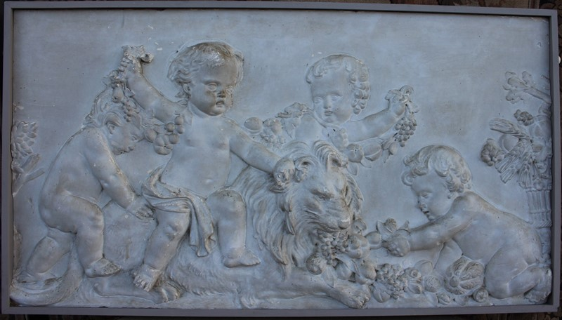 Plaster  plaque of cherubs and a lion-inglis-hall-antiques-img-4557-main-637469372399370916.JPG