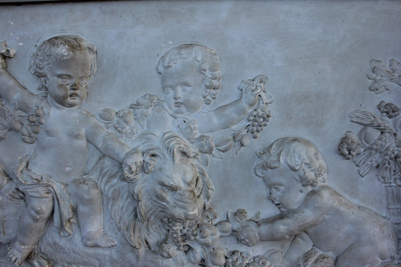 Plaster  plaque of cherubs and a lion-inglis-hall-antiques-img-4560-main-637469211654704394-1.JPG