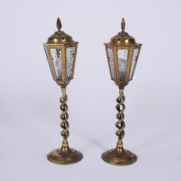 Pair of Vintage 1960s Brass Table Lanterns-james-worrall-LMP09171746a_main_636435763649303138.jpg