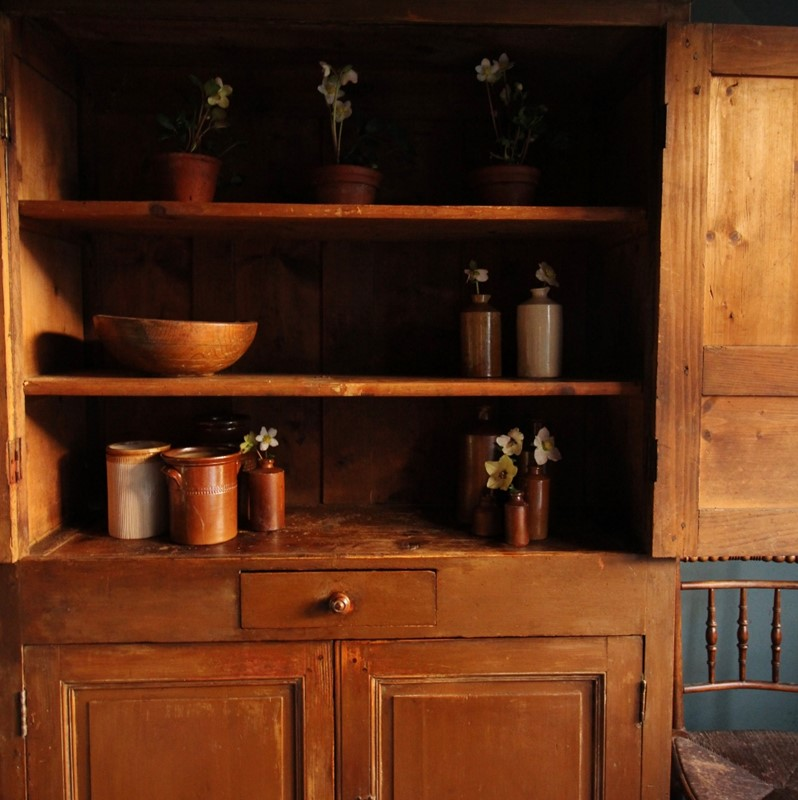 Georgian pine cupboard in original paint .-jolly-folke-furniture-img-4979-998x1000-main-637112632266997621.jpg