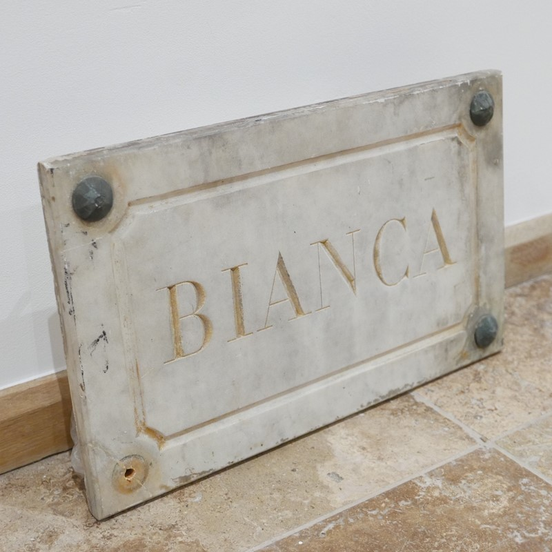 Marble Horse Name Plaques Bianca/Norma/Cobb-joseph-berry-interiors-img-4152-main-637100376200552565.JPG