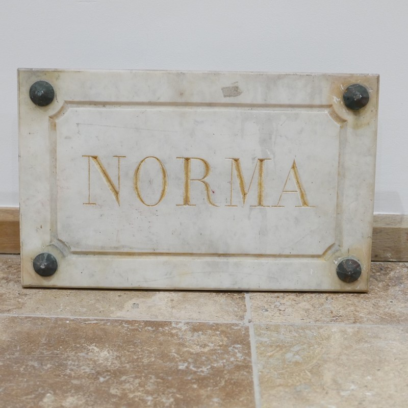 Marble Horse Name Plaques Bianca/Norma/Cobb-joseph-berry-interiors-img-4158-main-637100376237114905.JPG
