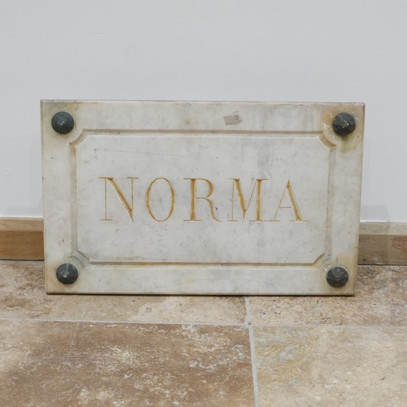 Marble Horse Name Plaques Bianca/Norma/Cobb-joseph-berry-interiors-img-4160-main-637100374906810347.JPG