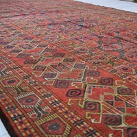 Substantial antique Beshir gallery carpet