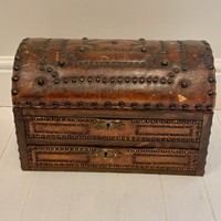 Studded leather box
