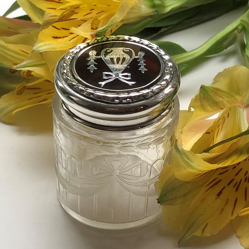 A Tortoiseshell & Glass Dressing Table Jar -linda-jackson-antique-silver-lj0014-3-main-637434785692533603.jpg