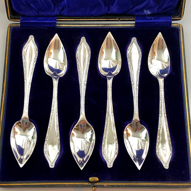 A Set Of Silver Grapefruit Spoons-linda-jackson-antique-silver-lj0050-2-main-637435651789373179.jpg