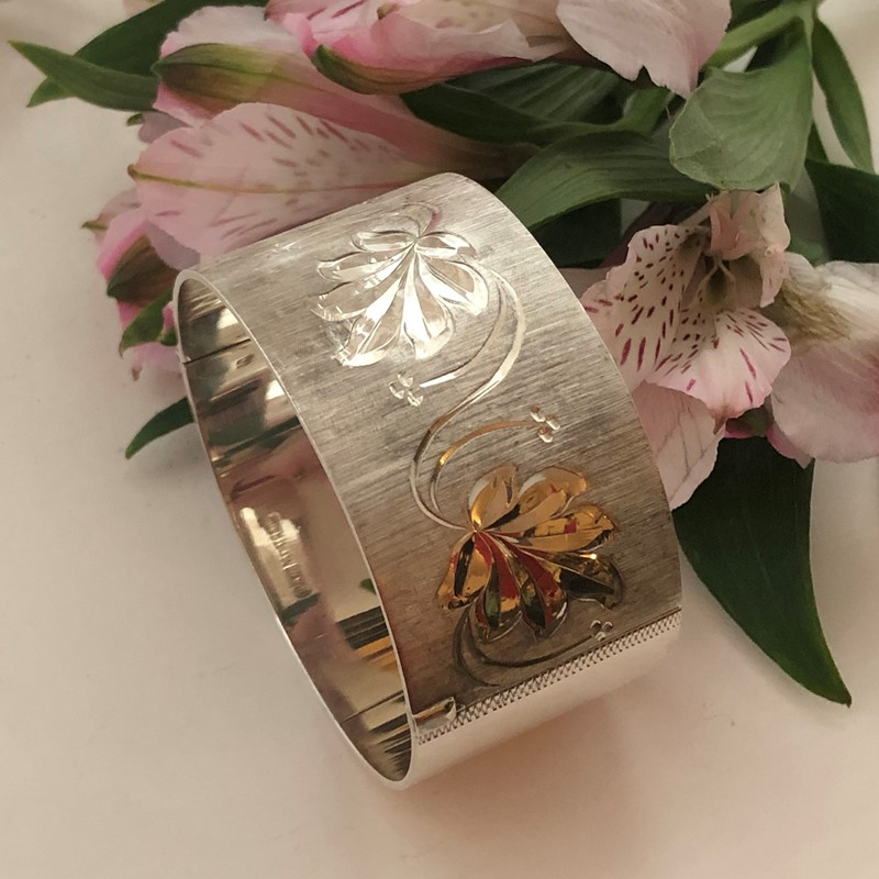 Vintage Sterling Silver Bangle With A Leaf Design -linda-jackson-antique-silver-lj0232-2-main-637453005888603331.jpg