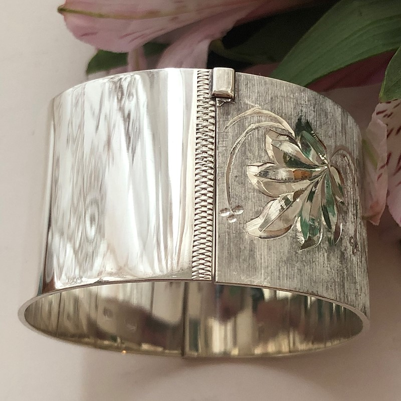 Vintage Sterling Silver Bangle With A Leaf Design -linda-jackson-antique-silver-lj0232-4-main-637453006065792023.jpg