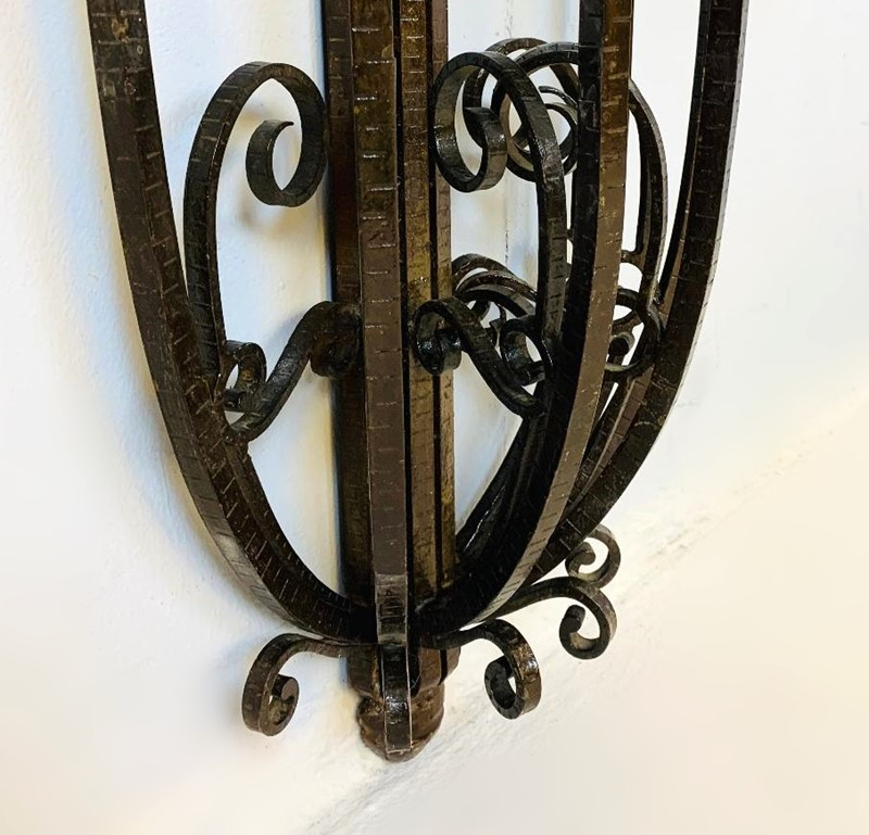 1930 Wrought Iron Marble Top Consol Table -living-in-style-gallery-art-deco-console-wrought-iron-and-marble-circa-1930-3960044-en-max-main-637404201890645873.jpg