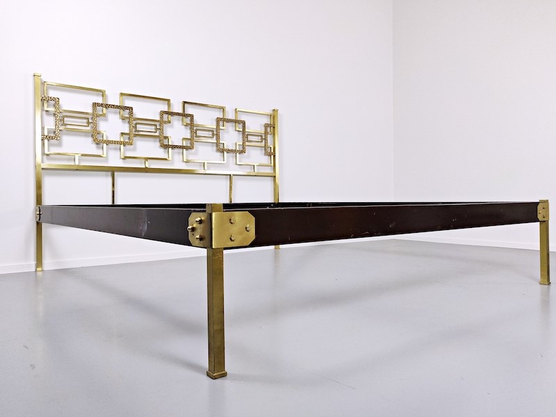 Brass Bed by Luciano Frigerio (Squares)-living-in-style-gallery-brass-bed-by-luciano-frigerio-1970s-3953693-en-max-main-637409898577028600.jpg