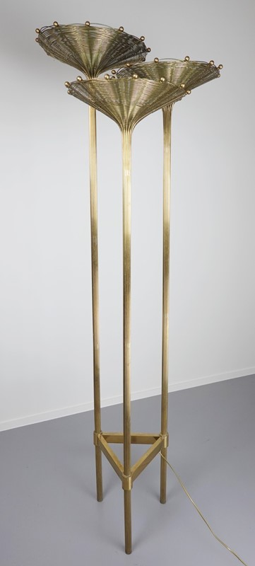 "Brass Tripod Floor Lamp Model ""Papyrus"" by Nucci V-living-in-style-gallery-brass-tripod-floor-lamp-model-papyrus-by-nucci-valsecchi-1970-3934902-en-max-main-637404334119017134.jpg"