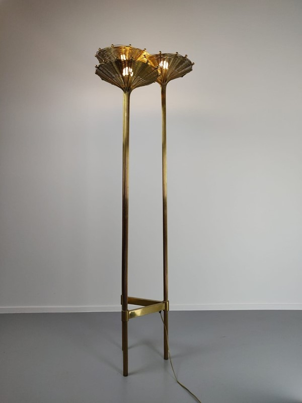 "Brass Tripod Floor Lamp Model ""Papyrus"" by Nucci V-living-in-style-gallery-brass-tripod-floor-lamp-model-papyrus-by-nucci-valsecchi-1970-3934909-en-max-main-637404334046048708.jpg"