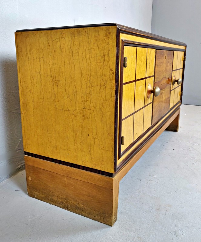 Art Deco Dresser (Italy) -living-in-style-gallery-italian-art-deco-commode-with-standing-mirror-3335943-en-max-main-637402557825376568.jpg