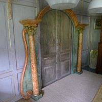 Faux marble Italian doorway