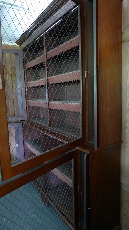 Outstanding Georgian bookcase.-loran-co-regency-bookcase-e-main-637025452579220044.jpg