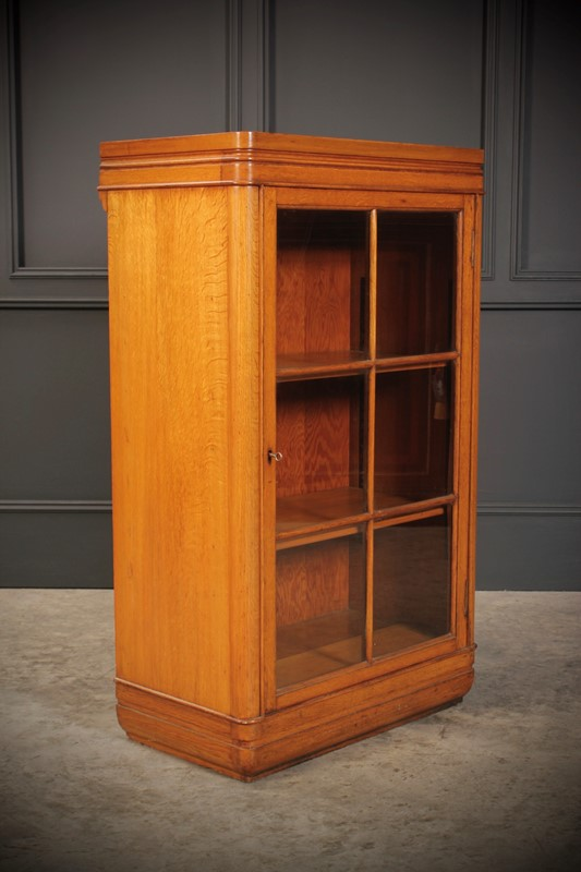 Oak Art Deco Cabinet-lt-antiques-fullsizeoutput-506-main-637219655644374290.jpeg