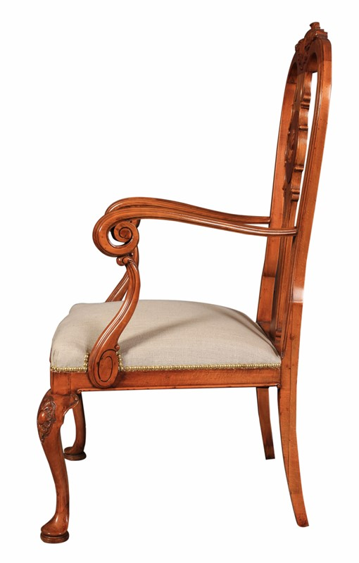 Set of 8 Queen Anne Style Walnut Dining Chairs-lt-antiques-img-1550-main-637149006770487859.jpg