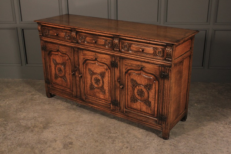 Distressed Ipswich Oak Carved Sideboard by Harrods-lt-antiques-img-1650-main-637155397229915860.JPG