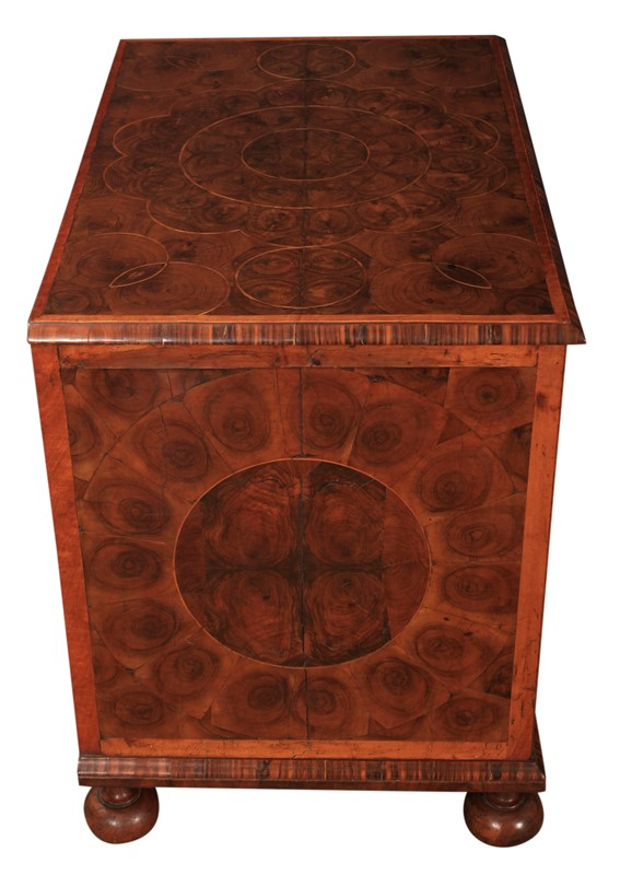 17th Century Oyster Veneered  Chest of Drawers-lt-antiques-img-8365-main-636999985243070709.jpg