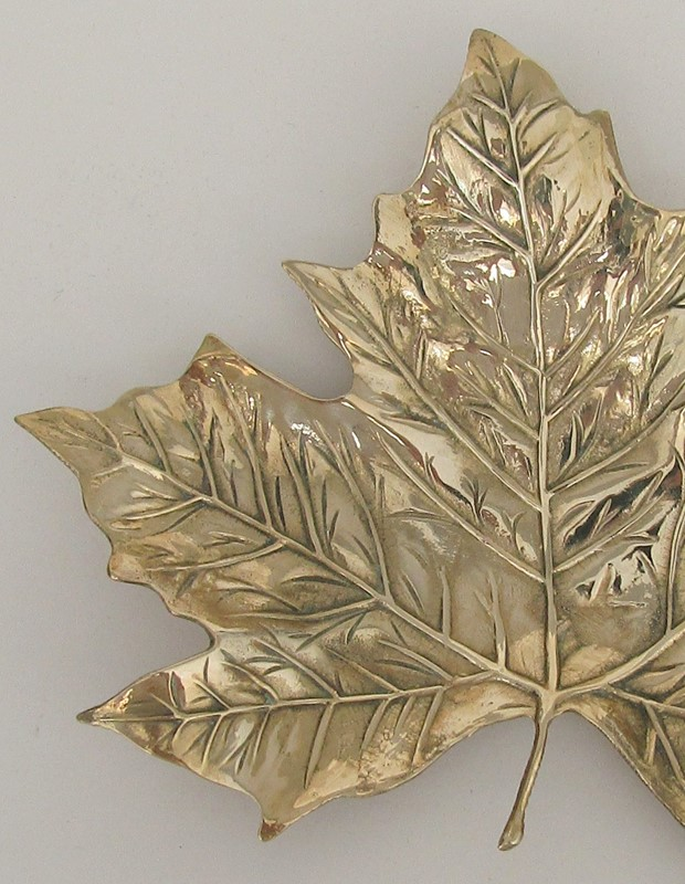 Brass maple leaf dish-lv-art-design-brass-leaf-detail-main-636949014662821713.JPG