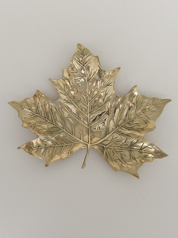 Brass maple leaf dish-lv-art-design-brass-leaf-main-636949014669852883.JPG