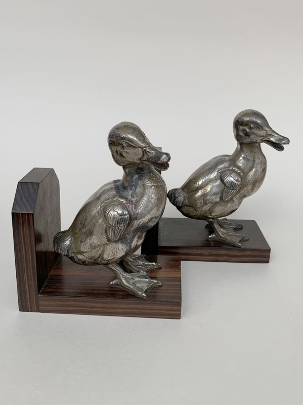 Art Deco bookends-lv-art-design-duck-bookends-2-main-637172072415177684.jpg