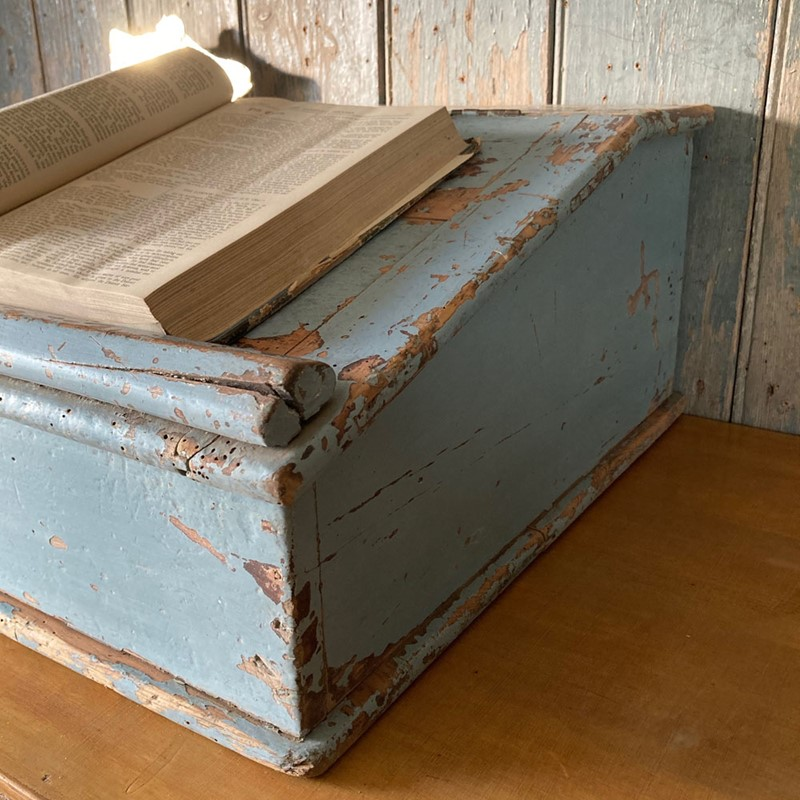 Antique painted pine writing box-marc-kitchen-smith-ks7190-img-6748jpeg-1000px-main-637439120388131573.jpg