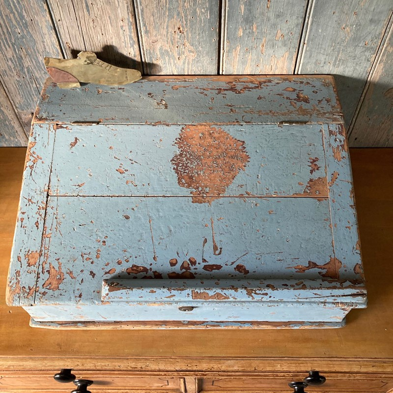 Antique painted pine writing box-marc-kitchen-smith-ks7190-img-6750jpeg-1000px-main-637439120392351200.jpg