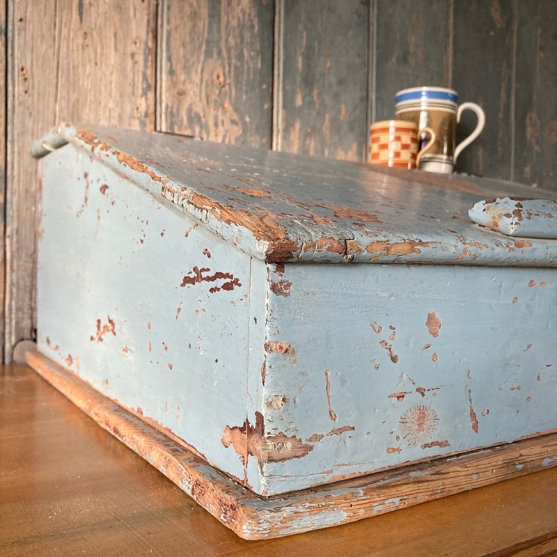 Antique painted pine writing box-marc-kitchen-smith-ks7190-img-6758jpeg-1000px-main-637439120405319360.jpg