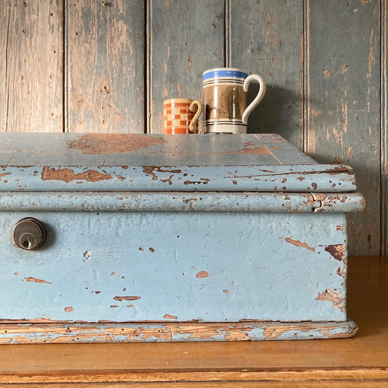 Antique painted pine writing box-marc-kitchen-smith-ks7190-img-6762jpeg-1000px-main-637439120413913143.jpg
