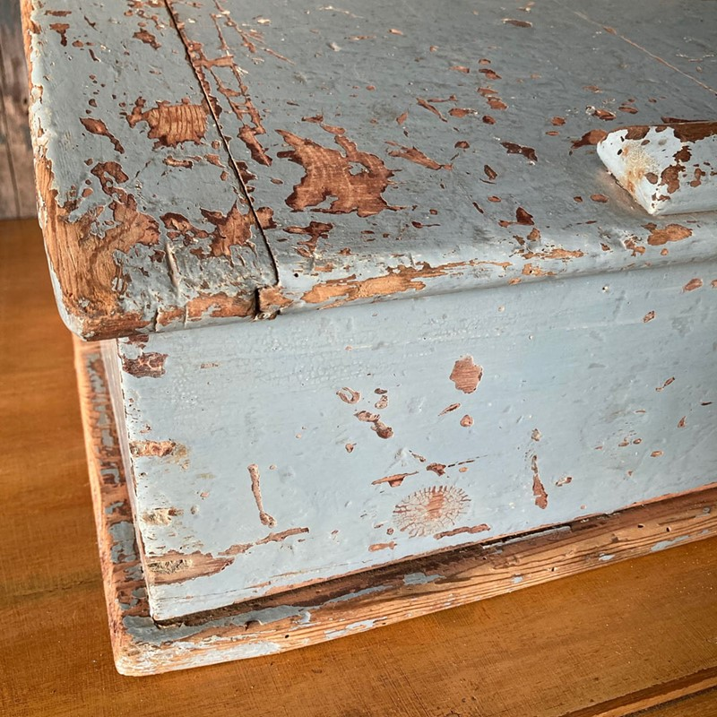 Antique painted pine writing box-marc-kitchen-smith-ks7190-img-6763jpeg-1000px-main-637439120418288310.jpg