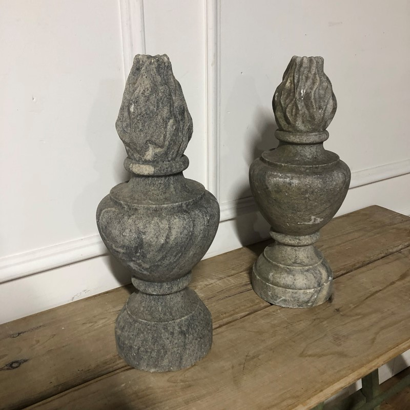 A pair of granite flambe finials -marchand-antiques-81561146-bc32-465f-b2a6-81944ac736cb-main-637341302121791419.jpeg