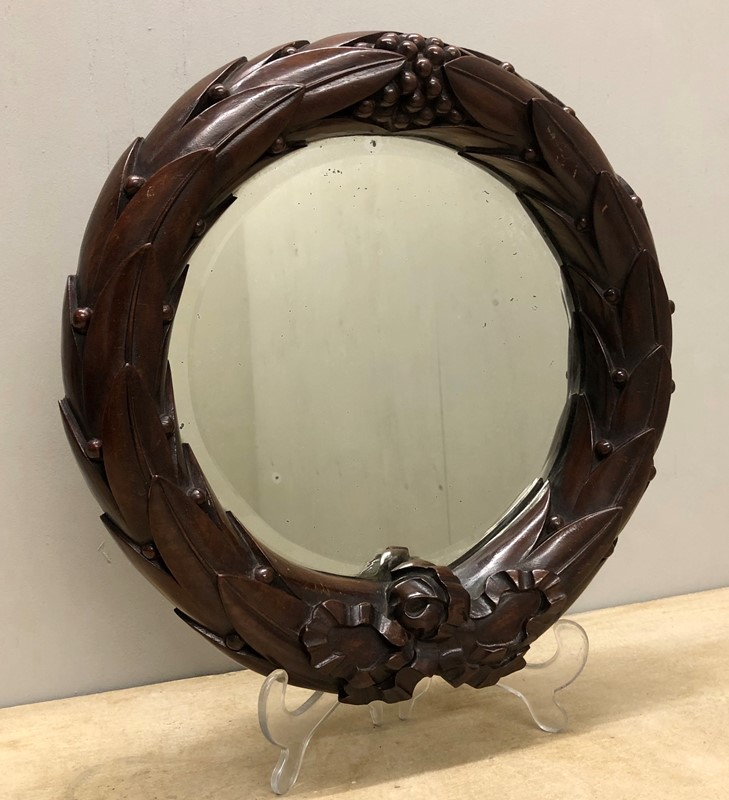 A Mahogany Laurel Wreath Mirror-marchand-antiques-e1e3046c-980f-4b1b-9f32-55c1d371ae42-main-637201408715952435.jpeg