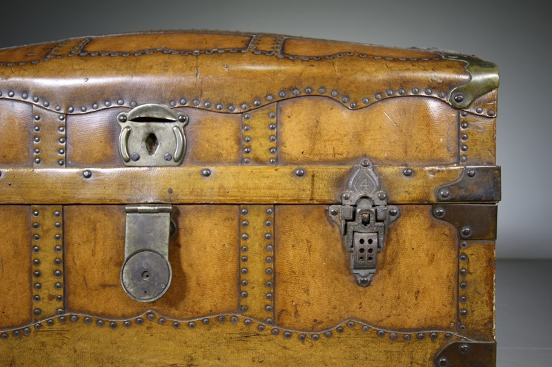 English Antique Travelling Trunk Dated 1884-miles-griffiths-antiques-img-6694-1550x1033-main-637496729689177653.jpg