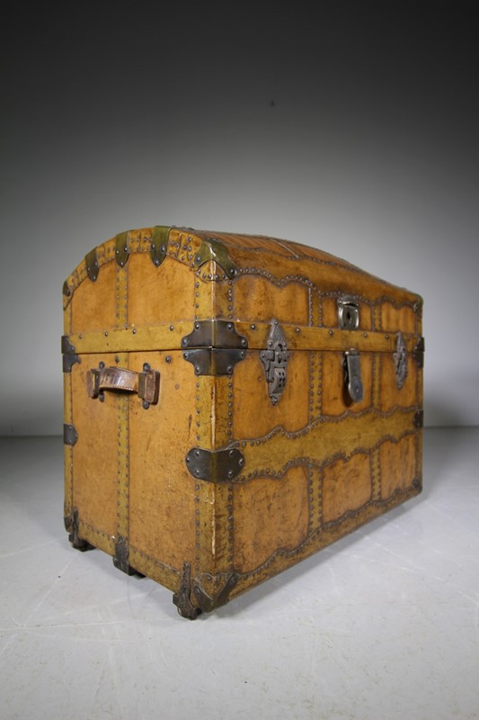 English Antique Travelling Trunk Dated 1884-miles-griffiths-antiques-img-6695-1033x1550-main-637496729696365161.jpg