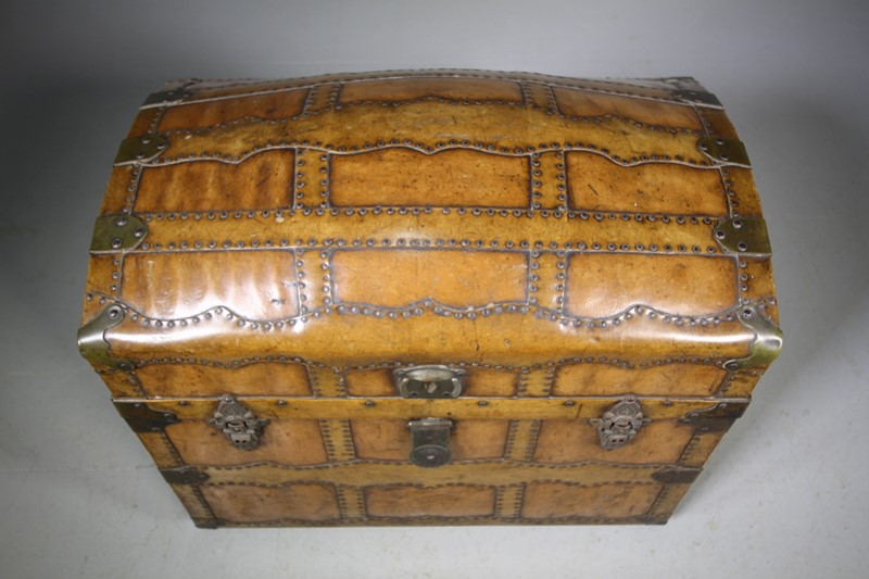 English Antique Travelling Trunk Dated 1884-miles-griffiths-antiques-img-6698-1550x1033-main-637496729708240160.jpg