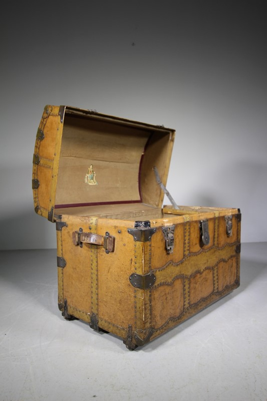 English Antique Travelling Trunk Dated 1884-miles-griffiths-antiques-img-6702-1-1033x1550-main-637496729683240749.jpg