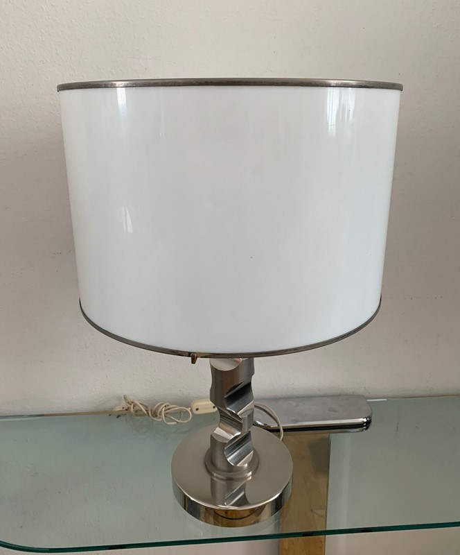 1960s Table Lamp in Solid Medal and Acrylic-moioli-gallery-lampada-acciaio-pesante-cappello-plexy-4-jpg-main-637001770034650448.jpg