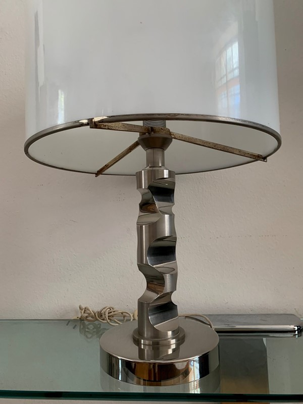 1960s Table Lamp in Solid Medal and Acrylic-moioli-gallery-lampada-acciaio-pesante-cappello-plexy-5-main-637001769925432507.jpg