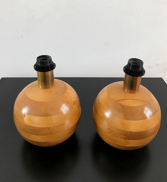 1970S PAIR OF WOOD BED SIDE TABLE LAMPS-moioli-gallery-lampade in legno  a palla piccole 1_main_636408976531837057.jpg