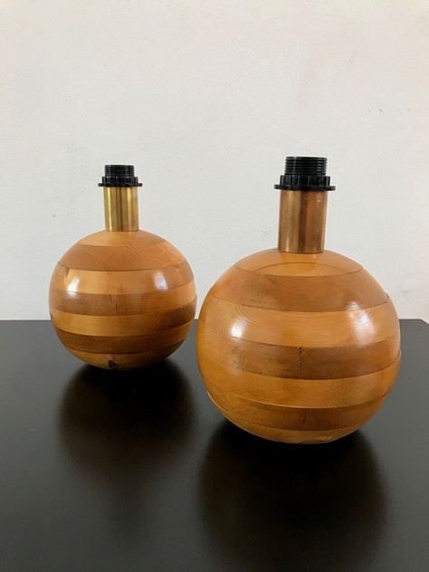 1970S PAIR OF WOOD BED SIDE TABLE LAMPS-moioli-gallery-lampade in legno  a palla piccole 2_main_636408977802990241.JPG
