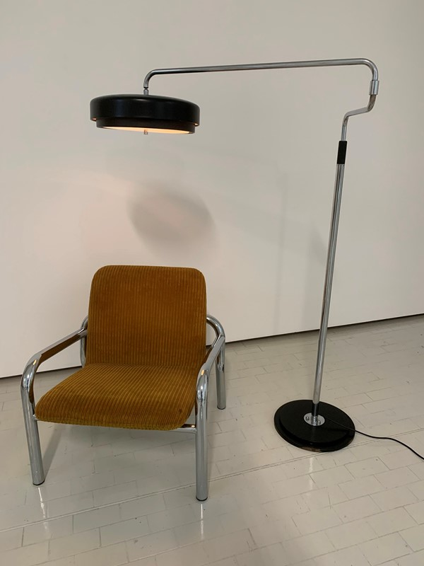 1960s floor lamp -moioli-gallery-piantana-cromo-e-nera-altezza-variabile-4-main-637248111044078136.jpg