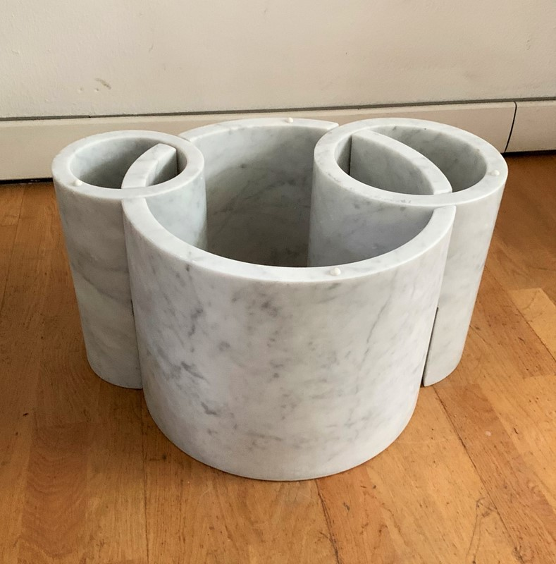 1970s Sculptural  Marble Round Coffee Table -moioli-gallery-tavolino-marmo-carrara-e-vetro-3-main-637117438540908539.jpg