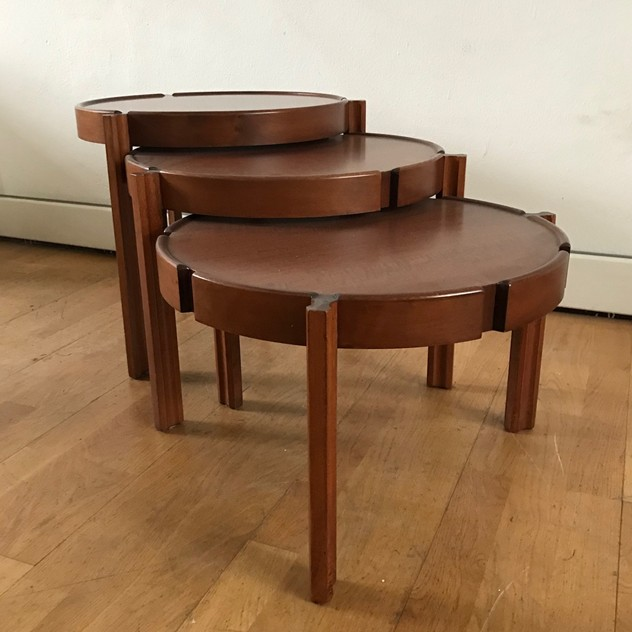 1960s Set of Round Italian Stackable Coffee Tables-moioli-gallery-tris tavolini tondi  legno 4_main_636550257844042143.jpg